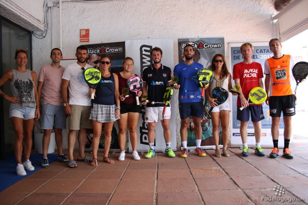 FOTO FAMILIA OR UP PADEL